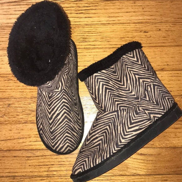 Vera Bradley fleece lined slippers